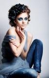 Kreatives Frauengesicht - helles colorfrul bilden stockfotografie