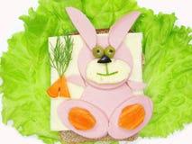 Kreatives Gemüsesandwich mit Käse Lizenzfreie Stockfotos