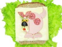 Kreatives Gemüsesandwich mit Käse und Schinken Stockbild