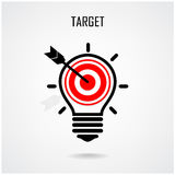 Kreatives Glühlampe- und Zielkonzept Lizenzfreies Stockbild
