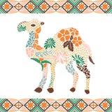 Kreatives Kamelmuster gemacht von den Blumen, Blätter Lizenzfreie Stockfotos