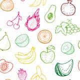 Kreatives nahtloses Muster mit Hand gezeichneten Früchten Stockfotos