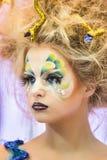 Kreatives Verfassungserscheinen am Festival der Schönheit Stockfotografie
