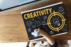 Kreativitäts-Glühlampen-Technologie-Mitteilungs-Ikonen-Konzept Stockfotografie