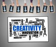 Kreativitätswort-Wolkenkonzept auf einem whiteboard Stockbilder