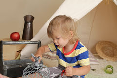 Kreativitet och utbildning till och med inomhus lek Royaltyfria Bilder