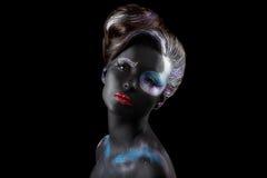 kreativität Angeredetes Mätresse mit Art Artistic Makeup Hübsches Mädchen in der roten Wäsche - Eleganz Stockbild