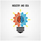 Kreatywnie żarówki pojęcie, mózg i podpisujemy na tle Zdjęcia Royalty Free