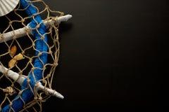 Kreatywnie żołnierza piechoty morskiej i marynarki wojennej elementy na Drewnianym tle Zdjęcia Royalty Free