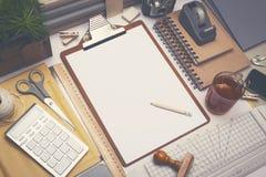 Kreatywnie architekta biurka nakreślenia mockup fotografia royalty free