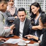 Kreatywnie biznesowy spotkanie w kawiarni Zdjęcia Stock