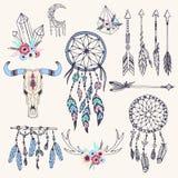 Kreatywnie boho styl obramia Mady piórek etniczne strzała i Kwiecistą elementu wektoru ilustrację royalty ilustracja