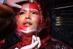 Kreatywnie chirurgia plastyczna na Czerwonej brzmienie mody Cierpliwym Żeńskim trybie Fotografia Stock