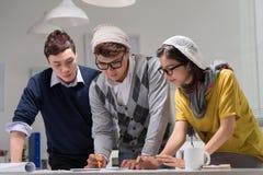 Kreatywnie drużyna przy pracą zdjęcia stock