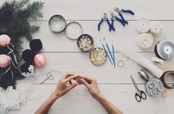 Kreatywnie hobby Handmade narzędzia dla robić boże narodzenie teraźniejszości w b Obraz Stock