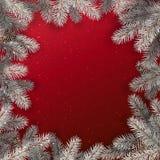 Kreatywnie rama robić Bożenarodzeniowa śnieżna jodła rozgałęzia się, sosna rożki na czerwonym tle z światłami ilustracji