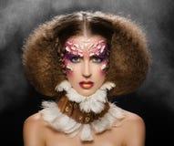 kreatywnie włosiany makeup Piękna kobieta od dzikusa trib Fotografia Royalty Free