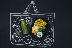 Kreda rysujący nakreślenia torba na zakupy z zdrowym jedzeniem obrazy royalty free