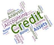 Kredit-Wort zeigt Debitkarte und Scheckkarte an Stockfotos