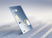 Kreditkarte auf Computertastatur Stockfotografie