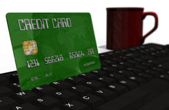 Kreditkarte auf Computertastaturnahaufnahme Lizenzfreies Stockfoto