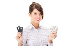 Kreditkarte oder Bargeld Lizenzfreie Stockfotografie