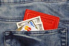Kreditkarte und Geld Lizenzfreies Stockfoto