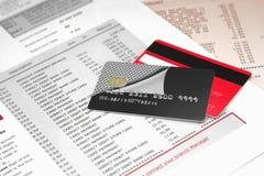 Kreditkarten auf Bankauszug Stockbild
