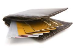 Kreditkarten innerhalb der Mappe Stockfoto