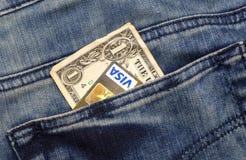 Kreditkort och pengar Fotografering för Bildbyråer