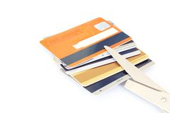 Kreditkortar och sax Royaltyfri Bild