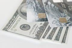 Kreditkortar och räkningar Arkivfoton