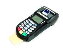 Kreditkorten bearbetar med maskin Arkivfoton
