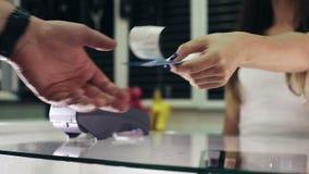 Kreditkortterminal i lager close upp arkivfilmer