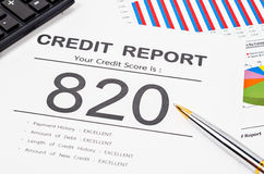 Kreditscore-Bericht lizenzfreie stockfotos