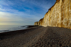 Kredowe falezy pod Grodowym wzgórzem, Newhaven Sussex Obrazy Royalty Free