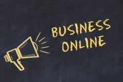 Kredowej deski nakreślenie z ręcznie pisany teksta biznesem online ilustracja wektor