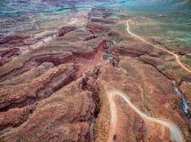 Kreek en weg in canionland Royalty-vrije Stock Fotografie