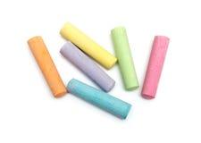 Kreiden in einer Vielzahl der Farben angeordnet lizenzfreie stockbilder