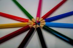 Kreis von bunten Bleistiften oder von Zeichenstiften Lizenzfreie Stockfotografie
