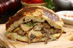 Kreiselkompaß oder shawarma Sandwich lizenzfreie stockfotos