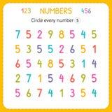 Kreisen Sie jede Nr. fünf ein Zahlen für Kinder Arbeitsblatt für Kindergarten und Vorschule Ausbildung, zum von Zahlen zu schreib stock abbildung