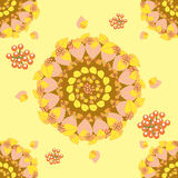 Kreisförmiges nahtloses Muster mit Herbstlaub Lizenzfreie Stockfotografie