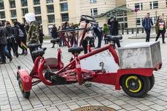 Kreisfahrrad mit einigen Sitzen in Berlin, Deutschland Lizenzfreies Stockbild