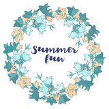 Kreismuster mit Glockenblumen Rundes Kaleidoskop von Blumen und von Florenelementen Stockbilder