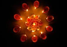 Kreismuster von indischen traditionellen Lampen auf diwali lizenzfreie stockbilder
