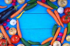 Kreisrahmen gemacht vom Frischgemüse Lizenzfreies Stockfoto