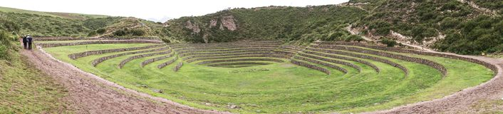 Kreisterrassen des alten Inkas an der landwirtschaftlichen Experimentstation des Moray, Peru Lizenzfreie Stockfotografie