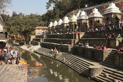 kremacj pashupatinath spełniona świątynia Zdjęcia Royalty Free