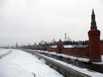 Kreml av moscow i vinter royaltyfri fotografi
